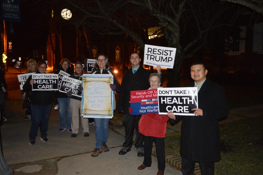 A protest over the potential repeal of the Affordable Care Act in downtown Toms River, Jan. 18, 2017. (Photo: Daniel Nee)