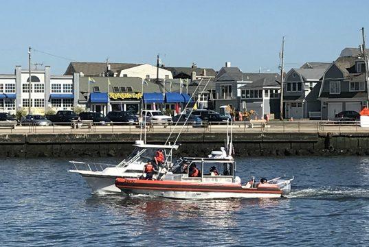 A U.S. Coast Guard crew in Manasquan Inlet, N.J. (Photo: Daniel Nee)