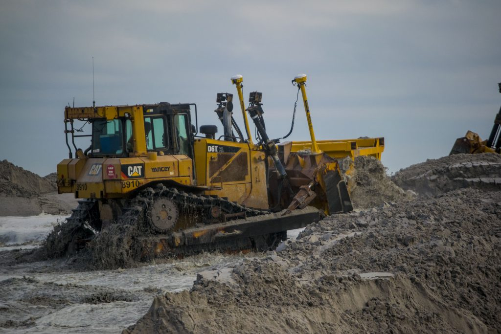 Beach replenishment underway near the Golden Gull condominium in Ortley Beach, Oct. 9, 2018. (Photo: Daniel Nee)
