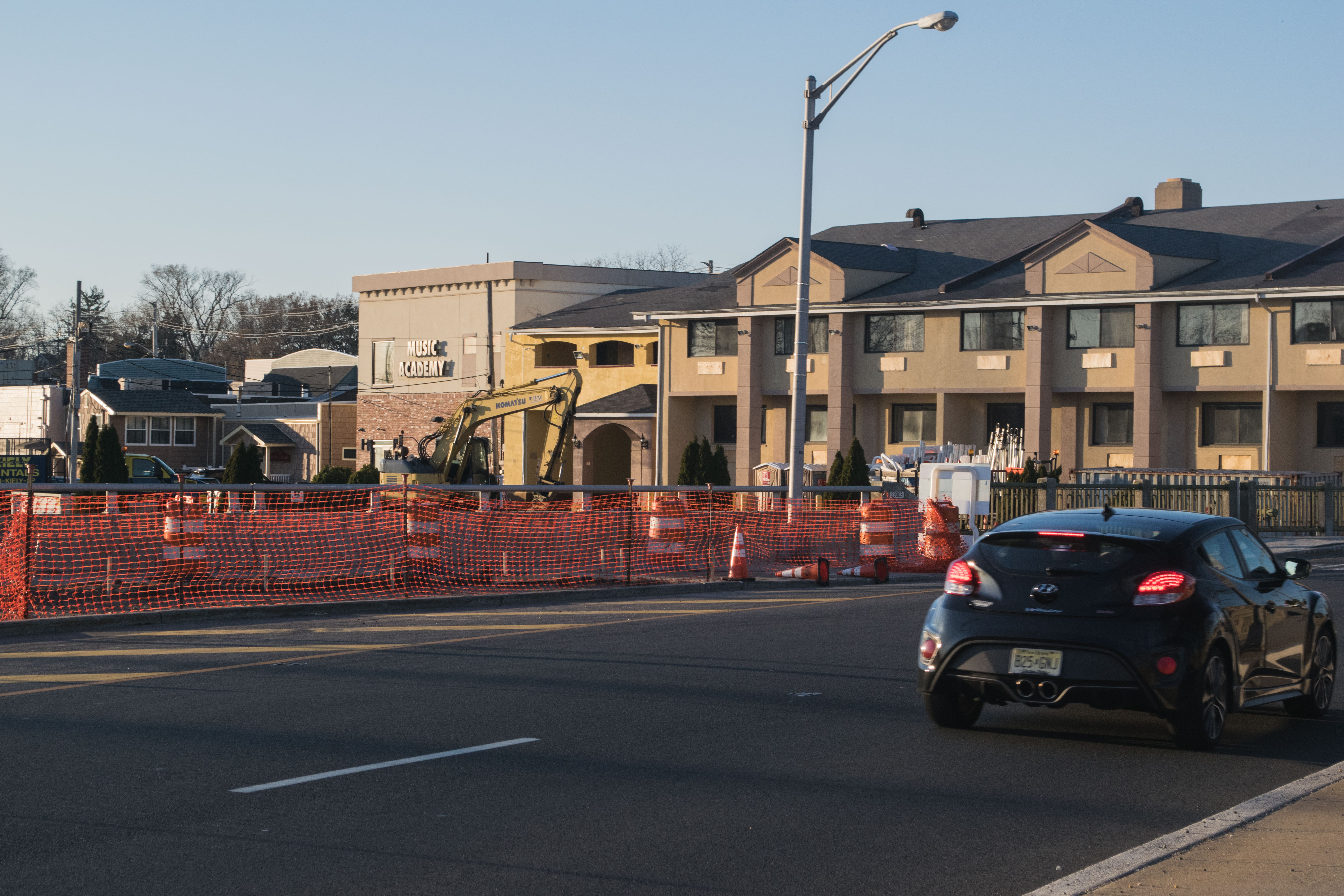 The entrance to downtown Toms River under construction, with the former Red Carpet Motel in the background, April 1, 2019. (Photo: Daniel Nee)