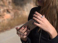 Mobile phone. (Credit: Hanna Vaknin/ Flickr)