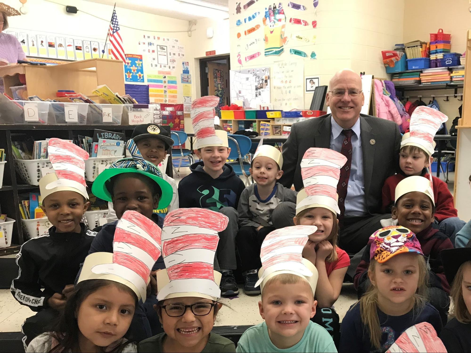 Superintendent David Healy and a group of Toms River kindergarten students. (Credit: TRRS)