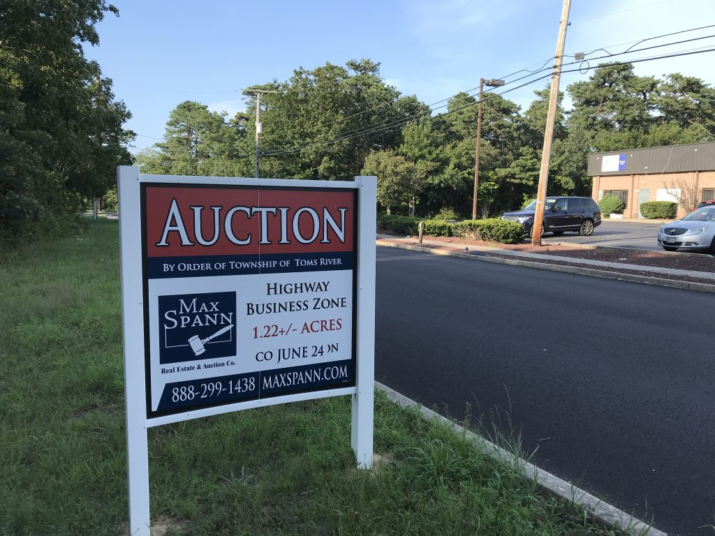The property at 1870 Hinds Road, Toms River, Aug. 2020. (Photo: Daniel Nee)