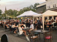 Outdoor dining in downtown Toms River. (Photo: Downtown Toms River/ Facebook)