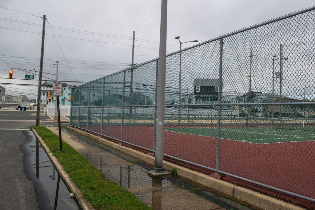 Tennis courts at Strickland Boulevard, Chadwick Beach. (Photo: Daniel Nee)