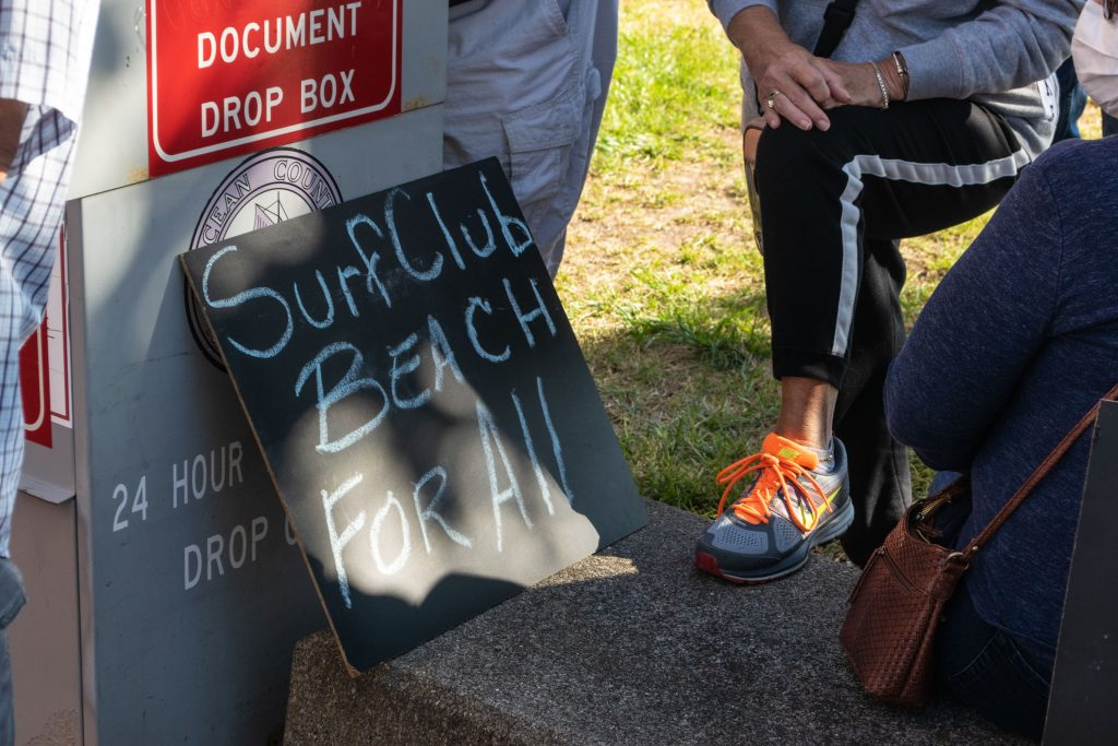 Ortley Beach residents rally to support the purchase of the former Surf Club property, Sept. 30, 2020. (Photo: Daniel Nee)