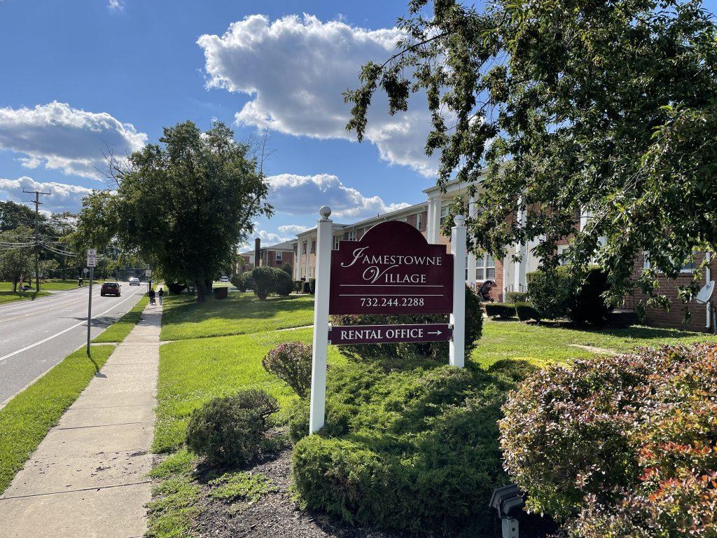 The Jamestowne Village apartment complex in Toms River, N.J. (Photo: Daniel Nee)
